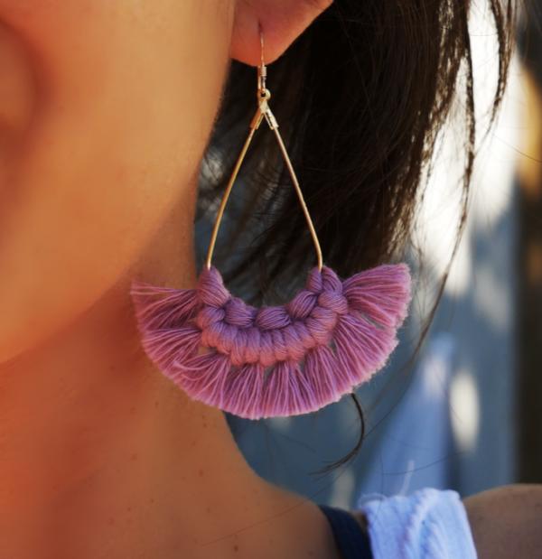Boucles d'oreilles macramé lilas